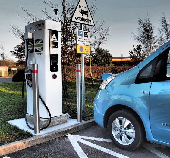 Nissan-e-NV200-charging-at-an-Ecotricity-Electric-Highway-charge-point
